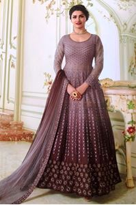 Afbeelding van Wineberry shaded premium Anarkali A166